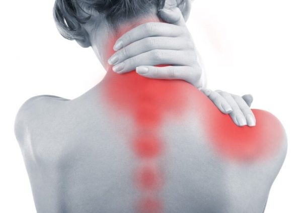 midwest woman with neck and shoulder pain